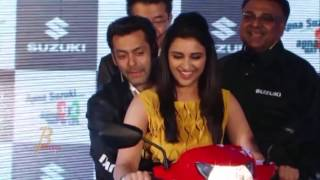 Salman Khan Gets NAUGHTY With Parineeti Chopra