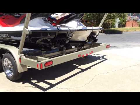 2014 4 jet ski trailer at Damon house