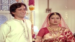 Shashi Kapoor cheats on Moushumi Chatterjee