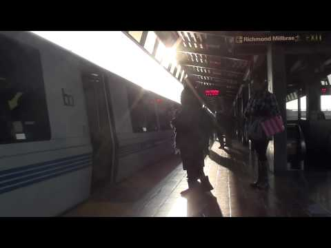 Richmond Train Arriving at Coliseum/Oakland Airport BART (HD)