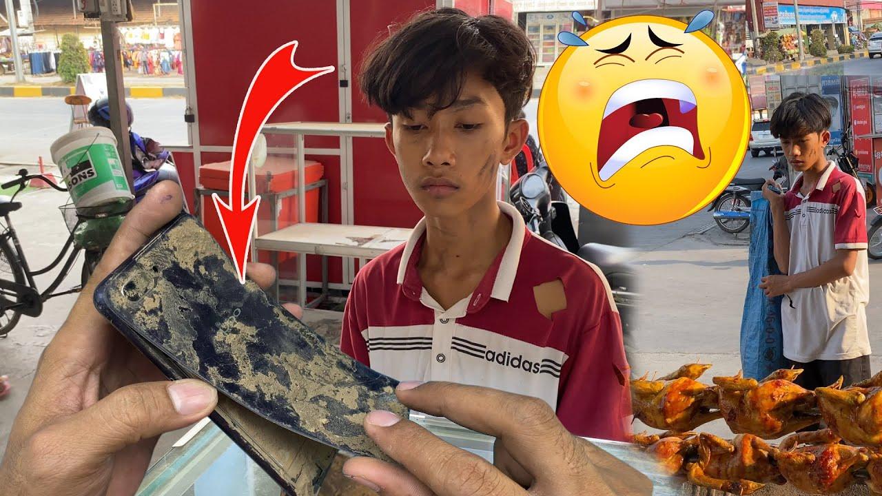 Restoring abandoned destroyed phone For homeless Boy