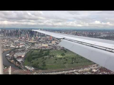 Landing LGA La Guardia New York over Manhatton