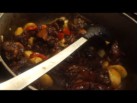 Burn  sugar stew Guyanese Style suga stew