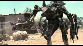 District 9/Chappie: Mini Mecha vs Moose