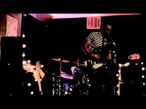 The Hoolivans - An Arrow In The Eye - Fulford Arms - 15/3/14