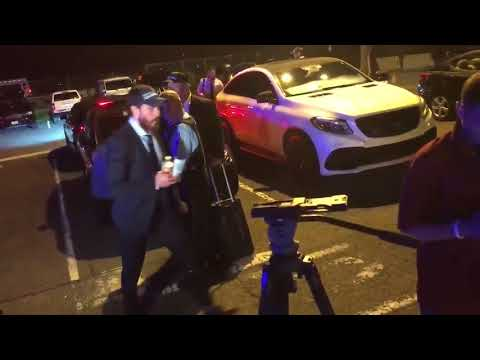 Caps get early-morning champion's welcome at Dulles Airport