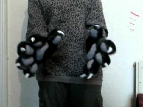 Handpaws with 'Puffy' Paw-Pads - Demonstration