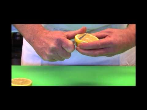How to Make a Lovely Lemon Garnish