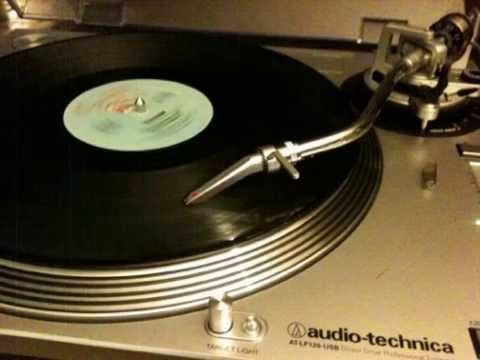 Grandmaster Flash and The Furious 5 - Freedom (instrumental)