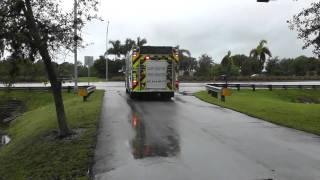 East Naples Fire Rescue E-21 Responding
