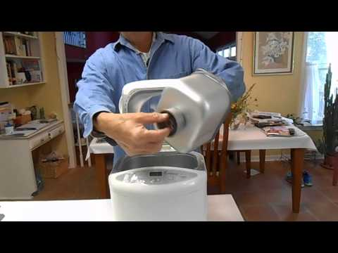 How to Remove a Bread Pan from a Bread Machine (Toastmaster TBR15)