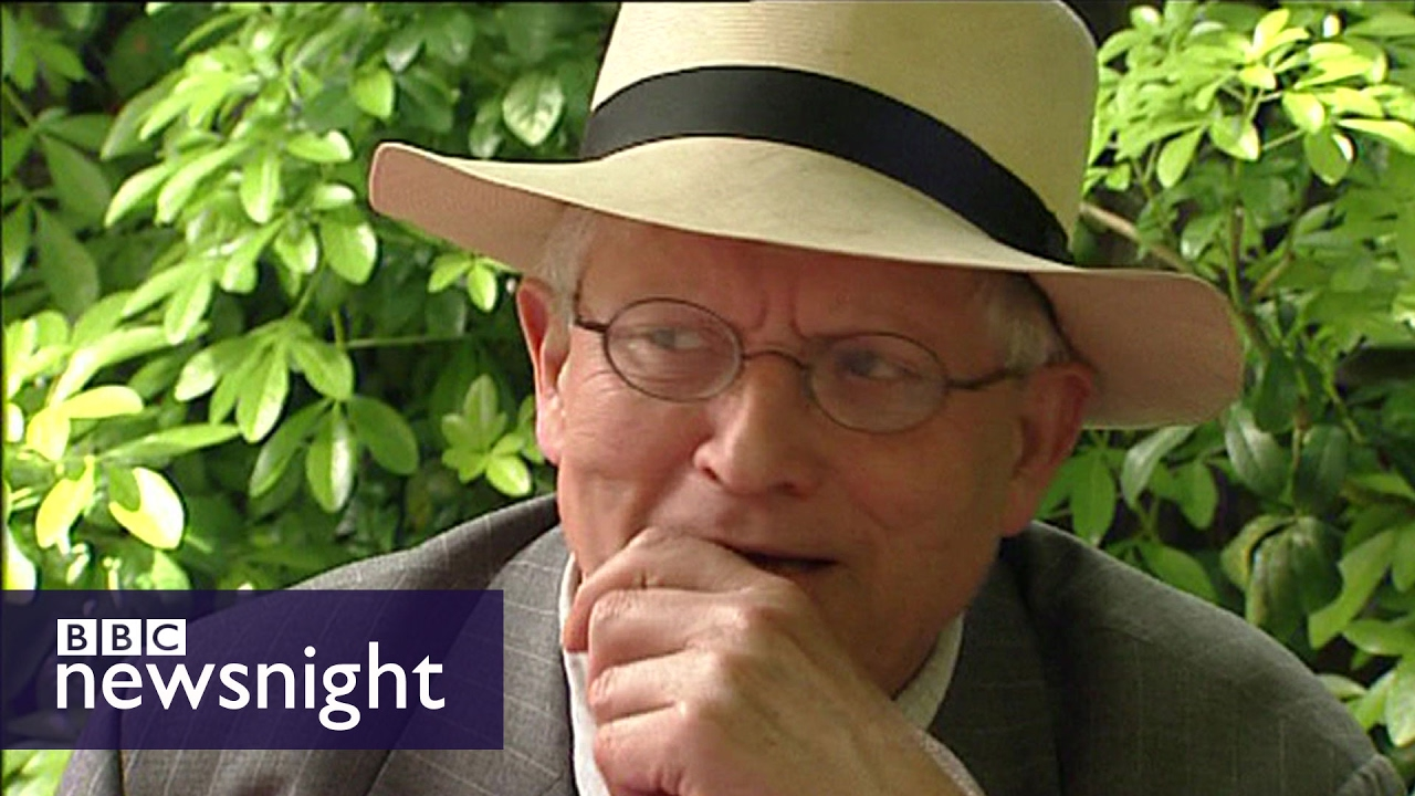 'End bossiness soon!' says David Hockney (2004) - Newsnight Archives