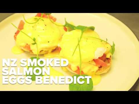 NZ Smoked Salmon Eggs Benedict