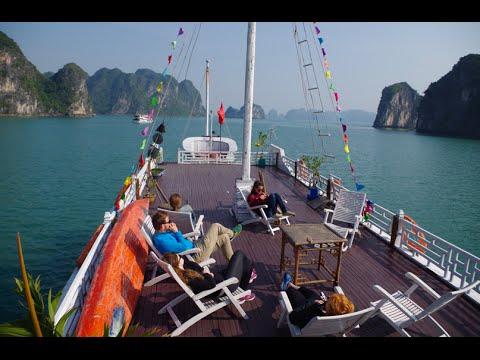 Halong Bay & Bai Tu Long Bay Tour, Vietnam