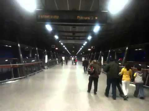 North Greenwich Tube Station - Time Lapse