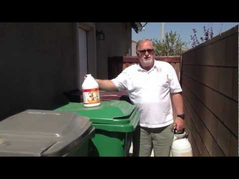 How to remove odors from trash cans