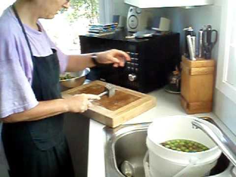 Fresh Crushed Olives  recipe - Italian tradition