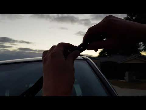 Toyota RAV4 2003: How to Change Front Screen Wiper Blades