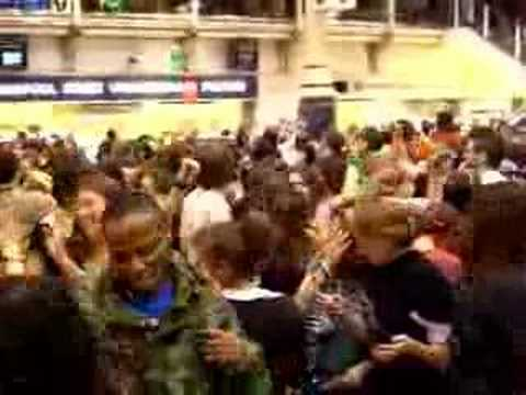 Mobile Clubbing, Liverpool St Station, London