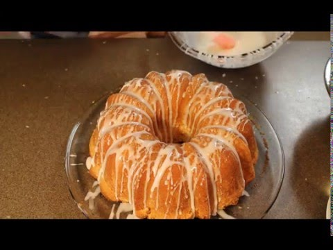 Homemade 7 UP pound cake