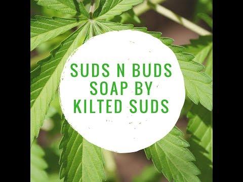 Making and Cutting of Suds 'N' Buds - Cold Processed Soap by Kilted Suds - Drop Swirl Technique