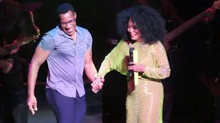 Diana Ross - Upside Down Chicago Style (July 10, 2019 - Chicago Theater)