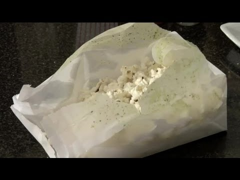 How to Get Seasonings to Stick to Make Your Own Microwave Popcorn : Popcorn Recipes