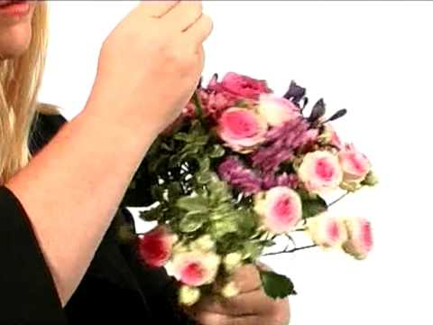 Floristry - How to make a hand tied posy