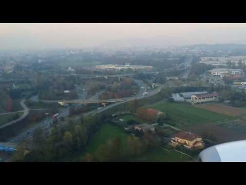 Flying into Milan Bergamo BGY Airport - Aeroplane Landing Video (Milan, Italy)
