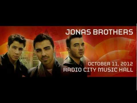 The Jonas Brothers Big Announcement at Ryan Seacrest 2012