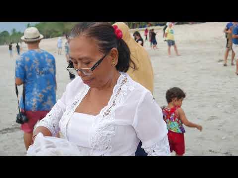 Rare Footage Of Hindu Blessing Ladies Bali - Philippines/Oz Fun