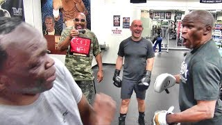 Download Floyd Mayweather dazzles Jeff Mayweather with his speed, both fail miserably at dancing Video