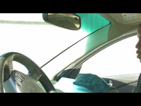 Car Cleaning Tips : How to Clean a Car Windshield