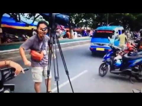 When Cameraman Goes Crazy-Dancing in Traditional Markets