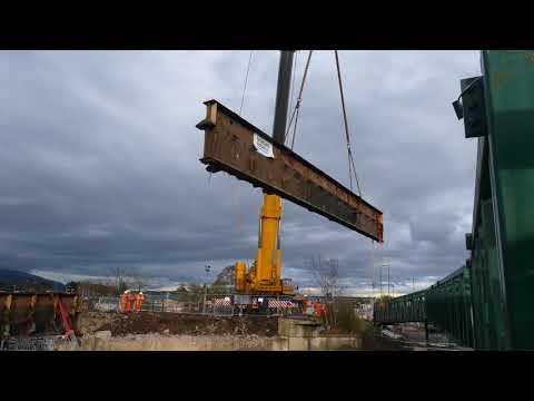 Stirling Kerse Road bridge demolition. (4K)
