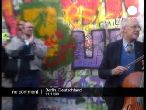 Rostropovich cello performance in front of the Berlin Wall
