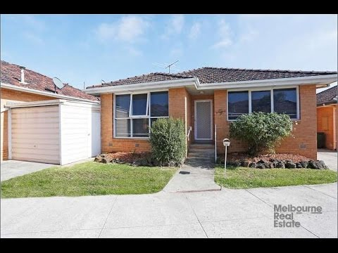Melbourne Rental Houses: Bentleigh House 2BR/1BA by Property Management in Melbourne