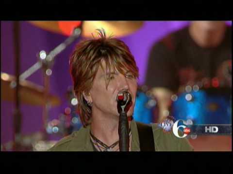 Goo Goo Dolls NEW SONG Dizzy Up the Girl Philadelphia Live 07/04/2010 2010