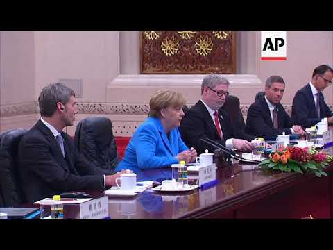 Merkel holds meeting with Chinese Premier Li amid US trade worries