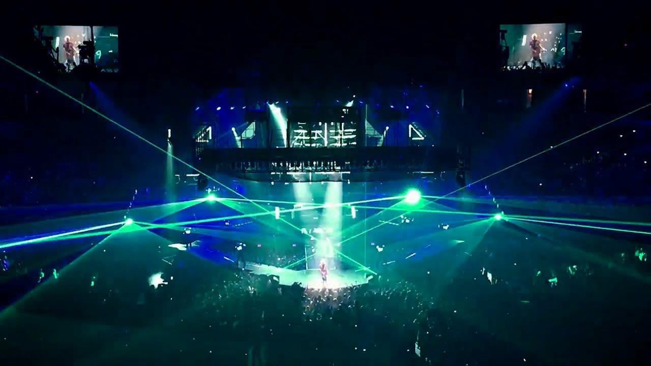 Download Justin Bieber - Boyfriend (Purpose Tour Montage) MP3 Gratis