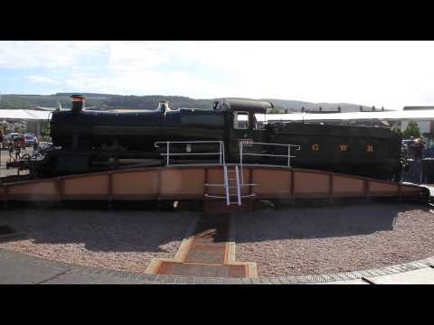 Steam Loco No.9351 Being Turned On Turntable (HD)