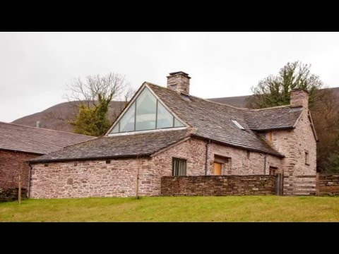Conservation and Renovation of a 14th Century Grade II Listed Longhouse in Herefordshire