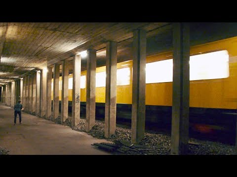 Extreme BERLIN SUBWAY TUNNELS Exploring (Active)- Berlin Unterground & Metro Tunnels