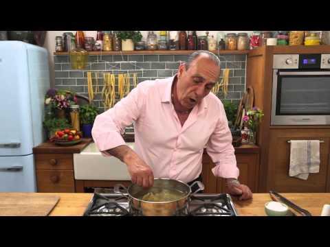 Gennaro Contaldo demonstrates how to cook pasta
