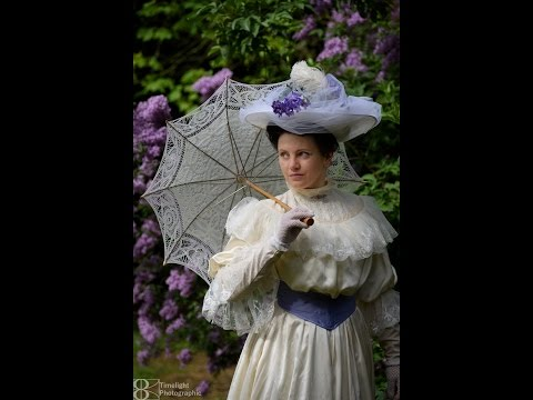 dressing edwardian lady1