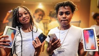 SURPRISING MACEI & BAM WITH A iPHONE X!!