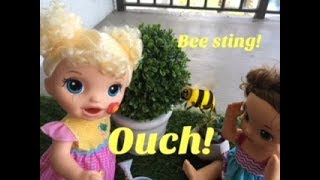 Download BABY ALIVE: OUCH! Ella gets stung by a bee! Video