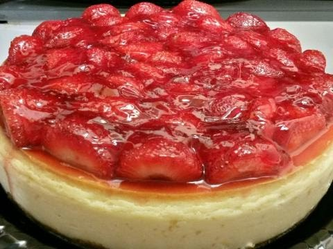 EASY HOMEMADE STRAWBERRY CHEESECAKE W/ GRAHAM CRACKER CRUST