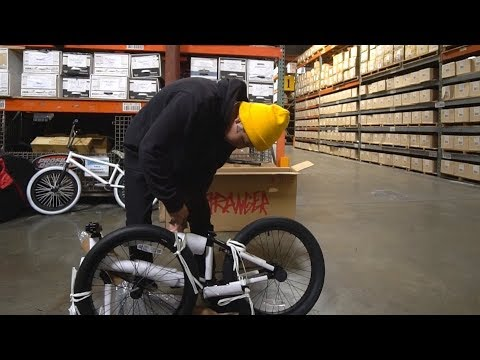 UNBOXING THE BEST BMX COMPLETE BIKE MONEY CAN BUY AT LOW COST