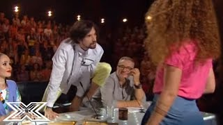 """Flirting Contestant Seduces Male Judge With Justin Bieber """"boyfriend"""" Cover! 